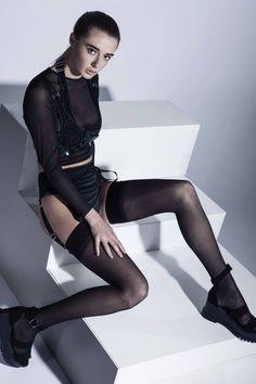Designer Kathryn Pomfret, Contour Fashion BA (Hons)