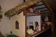 Found on EstateSales.NET: Snow white and the seven dwarfs vintage toy house!