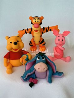 Winnie The Pooh And Friends on Cake Central Winnie The Pooh Cake, Winnie The Pooh Birthday, Winnie The Pooh Friends, Disney Winnie The Pooh, Fondant Cake Toppers, Fondant Figures, Cupcake Cakes, Theme Animation, Fondant Animals