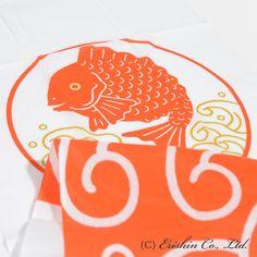 加藤萬、祝い文手拭い(目出鯛)の通販。職人の技と心が詰まった美しい着物が《呉服えり新》の本領です。出来ればお手にとってご覧いただきたい、そんなお品の数々をお届けいたします。