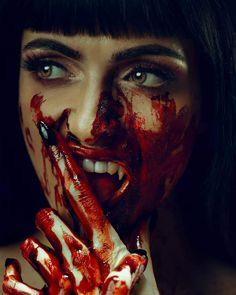 Female Vampire, Vampire Art, Body Tissues, Shooting Stars, Horror Art, Halloween Outfits, Favorite Color, The Darkest, Halloween Face Makeup