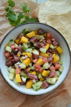 Ceviche de atún con mango, una receta muy fácil,deliciosa y con fotos paso a paso. Fresca y saludable, acompaña con tostadas. Te va a encantar!