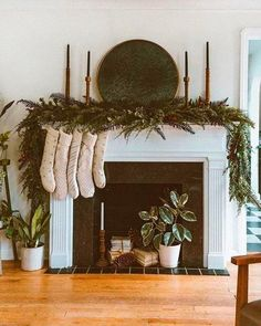 46 elegant farmhouse kitchen decor ideas 26 « Home Design Xmas Table Decorations, Christmas Decorations For The Home, Christmas Home, Holiday Decor, Farmhouse Kitchen Decor, Home Decor Furniture, Home Decor Inspiration, Elegant, Event Styling