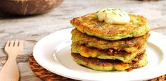 These Zucchini Cheesy Corn Fritters and Pancakes are delicious healthy low fat recipes packed full of veggie goodness. They're quick, easy and very inexpensive. Zucchini Corn Fritters, Zucchini Pancakes, Vegetable Recipes, Vegetarian Recipes, Healthy Recipes, Zucchini Health Benefits, Wine Recipes, Cooking Recipes, Breakfast
