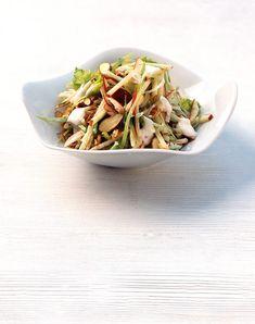 Rezept für Apfel-Sellerie-Salat bei Essen und Trinken. Ein Rezept für 4 Personen. Und weitere Rezepte in den Kategorien Gemüse, Milch + Milchprodukte, Nüsse, Obst, Alkohol, Vorspeise, Hauptspeise, Salate, Fettarm, Kalorienarm / leicht, Vegetarisch.