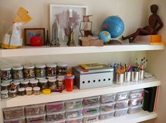 i want to be this organized in my classroom.