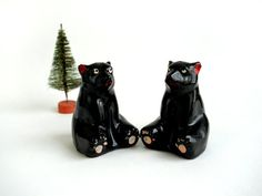 Vintage Black Bears Salt and Pepper Shakers Red by whatnotsandsuch, $10.00