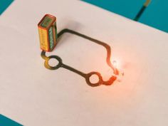 Can you complete an LED circuit using a graphite pencil? Learn about the conductive properties of graphite and draw your own design to see it light up! This is a super quick and easy science experiment that is entertaining for both kids and adults alike. Electricity Experiments, Easy Science Experiments, Middle School Science, Science For Kids, Science Labs, Static Electricity, Stem Science, Forensic Science, Science Projects For Kids