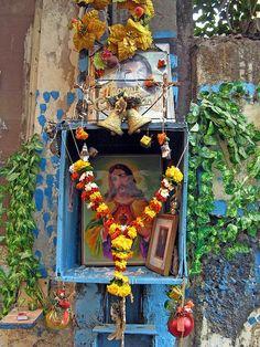 Hindu Jesus street shrine by cactusbones, via Flickr