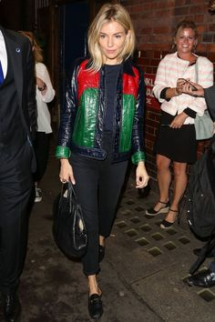 The best (and worst) of Sienna Miller's wardrobe choices! From festival chic and boho joy to city girl storming the states, here are all of Sienna's iconic looks. Estilo Sienna Miller, Sienna Miller Style, Festival Chic, Film Festival, Look Fashion, Fashion Tips, Jeans Fashion, Fashion Bloggers, Fashion Trends