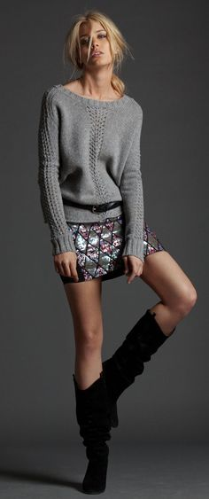 Casual Chic Look with sweater and sequin skirt - Strickpullover, Pailletten Rock und Stiefel Fashion Mode, Love Fashion, Womens Fashion, Grey Fashion, Skirt Outfits, Casual Outfits, Casual Wear, Casual Chic, Sequin Skirt Outfit