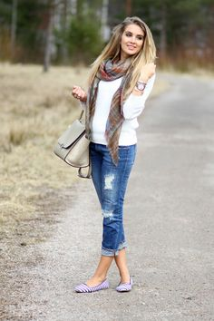Blue + white + beige. White sweater, ripped blue jeans from Zara, Mulberry scarf, Celine trapeze bag