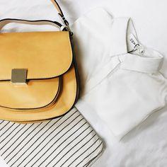 Una camisa blanca siempre es la mejor opción para que nuestros accesorios destaquen y adquieran protagonismo.