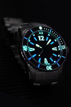 Lum-Tec Automatic Dive Watch - Fit Stop Garage Iwc Watches, Cool Watches, Dove Men, Automatic Watches For Men, Seiko, Men's Diving, Smart Watch, Bracelet Watch, Clocks