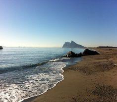 Peñón de Gibraltar desde playa de la torre