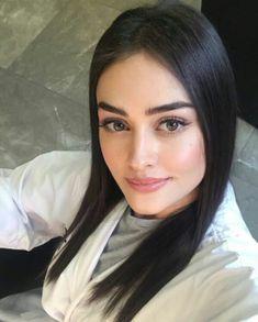 Turkish Women Beautiful, Turkish Beauty, Turkish Fashion, Most Beautiful Women, Beautiful People, Turkish Style, Cute Girl Poses, Cute Baby Girl Outfits, Black Pakistani Dress