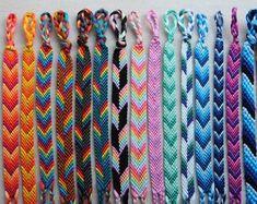 Braided Friendship Bracelets, Diy Friendship Bracelets Patterns, Thread Bracelets, Cute Bracelets, Handmade Bracelets, Diy Crafts Jewelry, Bracelet Crafts, Jewelry Art, Jewellery