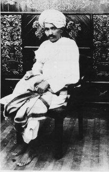 Gandhi portrait 1918.