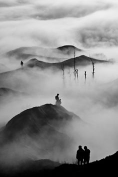 [beautiful photo] Above the Clouds by Thomas Andy Kristianto Bw Photography, Amazing Photography, Landscape Photography, Black White Photos, Black And White Photography, Above The Clouds, Foto Art, Monochrom, Belle Photo