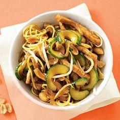 2 juli - Komkommer in de bonus - Recept - Zoete sojawokschotel - Allerhande Good Healthy Recipes, Healthy Foods, Dutch Recipes, Green Beans, Easy Meals, Tasty, Asian, Dinner, Vegetables