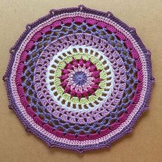 I finish the test of this incredible mandala designed by the amazing @mobiusgirl. Beautiful pattern Sandra. It was a real pleasure to work on! I feel like I could make a thousand of these in different colors! #fiestamandala #crochet #croche