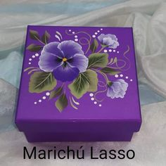 Acrylic Painting Flowers, Fabric Painting, Painting On Wood, Decorative Wooden Boxes, Painted Wooden Boxes, Diy Wood Box, Diy Resin Art, Decoupage Box, Craft Box
