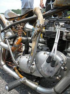 Flintlock Pistol Shifter on a Triumph by Rusty Knuckles. Vintage Bikes, Vintage Motorcycles, Custom Motorcycles, Custom Bikes, Flintlock Pistol, Triumph Bobber, Bike Engine, Car Mods, Kustom Kulture