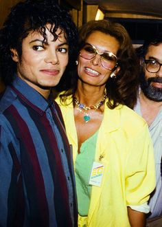 Michael Jackson and Sophia Loren this picture is funny look michael jackson.