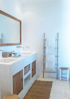 Amazing and Unique Tips Can Change Your Life: Bathroom Remodel Walls Framed Mirrors bathroom remodel laundry rooms.Bathroom Remodel Shower Walk In guest bathroom remodel wood shelves.Mobile Home Bathroom Remodel Ideas. Rustic Bathroom Designs, Rustic Bathrooms, Bathroom Interior Design, Cob House Interior, Diy Interior, Bathroom Colors, Bathroom Sets, Bathroom Stand, Paint Bathroom