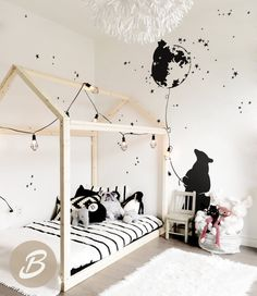 Dreamy bear family Nursery wall decal Large wall decor with bears Wall sticker with stars Wall art Removable vinyl decal Nursery Wall Decals, Baby Nursery Decor, Baby Bedroom, Baby Boy Rooms, Kids Bedroom, How To Hang Wallpaper, Hanging Wallpaper, Family Wall Art, Kid Beds
