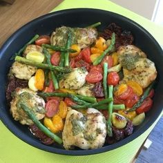 Here it is  Try this one-pan pesto chicken with veggies  This taste unreal and it's so quick and easy to make  #leanin15 #foodie #foodporn #instagood #instagram #food #thebodycoach #recipes
