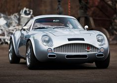 Carbon Fiber Aston Martin DB4 Zagato 3