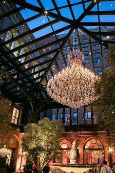 Restoration Hardware Flagship - Chicago 1300 N Dearborn