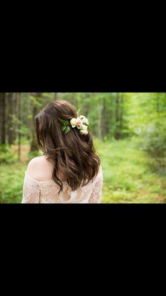 Tara Keely 2358| TK2358 |real bride| country wedding| flowers| Ottawa real bride