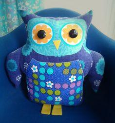 modflowers: owl cushion stuffed!//inspiration