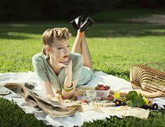 Paper Mothball Vintage, vintage picnic in Central Park, 1940s, back seem stockings