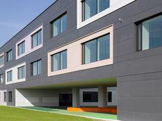 School in Dachau, germany. Diezinger & kramer arch. EQUITONE facade materials. equitone.com