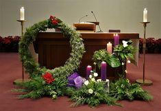 이미지 상세보기 Church Altar Decorations, Church Christmas Decorations, Flower Decorations, Christmas Wreaths, Holiday Decor, Easter Flower Arrangements, Flower Arrangement Designs, Altar Flowers, Church Flowers