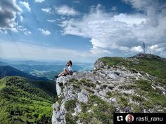 Čo viac si priať... ideálne miesto kde načerpať energiu  #praveslovenske od @rasti_ranu  Aha-ho!  kl-Kľak #slovakia #slovensko #klak #malafatra #hills #rocks #mountain #trip #adventure #adventures #nature #naturewalk #naturelover #folkscenery #bluesky #clouds #explore #chill #chillout #relax #view #beautifulview #trees #green #valley #girl #sportgirl #sport