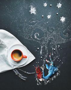 Interesting Art Creativity while coffee time by Italian Artist Cinzia Bolognesi Coffee World, Little's Coffee, I Love Coffee, Coffee Drinks, Morning Coffee, Coffee Cups, Krups Coffee, Happy Coffee, Coffee Maker
