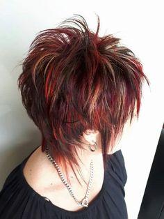 not the purple hair color . Funky Short Hair, Short Hair With Layers, Short Hair Cuts, Short Shag Hairstyles, Cool Hairstyles, Medium Hair Styles, Curly Hair Styles, Choppy Hair, Cut My Hair