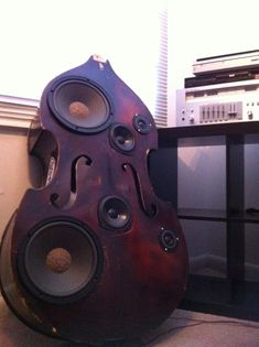 Upright Bass Speaker shaped like. an upright acoustic bass Box. AWESOME and humorous, smile giving too! Instruments, Diy Speakers, Double Bass, Speaker Design, Tips & Tricks, Loudspeaker, Audiophile, Music Stuff, Musicals
