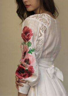 70 ideas embroidery dress haute couture elie ideas embroidery dress haute couture Elie Saab dress sleeve floral embroidery sleeve floral embroidery dress - retro stage - chic vintage dresses and Folk Fashion, Hijab Fashion, Fashion Dresses, Womens Fashion, Ethno Style, Gypsy Style, Embroidery Fashion, Embroidery Dress, Mode Russe