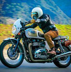 Biltwell Gringo Vintage White - Chrome Bubble Shield / Triumph Bonneville Thruxton