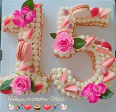 Birthday Cake Friends 59 Ideas For 2019 - Birthday Cake Flower Ideen Number Birthday Cakes, 1st Birthday Cake For Girls, Number Cakes, Cake Birthday, Pretty Cakes, Beautiful Cakes, Cake Lettering, Sweet 16 Cakes, Biscuit Cake