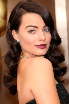 Gorgeous Curly Hairstyles For Those Special Days Margot Robbie