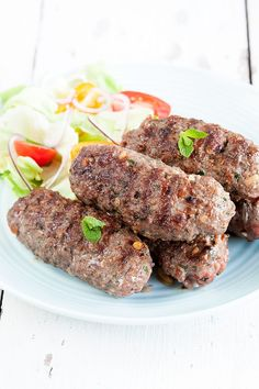 Spicy garlic flavors from this middle eastern beef kofta recipe. Serve with plain rice, a salad or potatoes. Recipe for 4 people, ready in 20 minutes. chill to firm before grilling Armenian Recipes, Turkish Recipes, Lebanese Recipes, Greek Recipes, Meat Recipes, Indian Food Recipes, Kofta Recipe Lebanese, Lebanese Cuisine, Middle East Food
