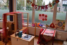 Kantoor van sinterklaas Kindergarten, December, Diy, Ideas, Bricolage, Kindergartens, Diys, Preschool, Handyman Projects