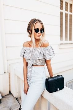 awesome 39 Off Shoulder Outfits for You to Look Fabulous http://attirepin.com/2018/02/16/39-off-shoulder-outfits-look-fabulous/