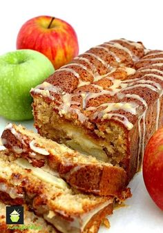 Caramel and Apple Loaf …. Let me introduce you to my Moist Caramel and Apple Loaf Cake. It's delicious with the spices running through and the layers… Caramel Recipes, Apple Recipes, Baking Recipes, Sweet Recipes, Cake Recipes, Dessert Recipes, Think Food, Breakfast Snacks, Dessert Bread